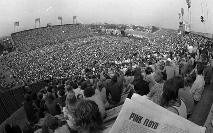 Pink Floyd Band Keren Buming Pada Zamanya Dengan Vokalis Yang Gila